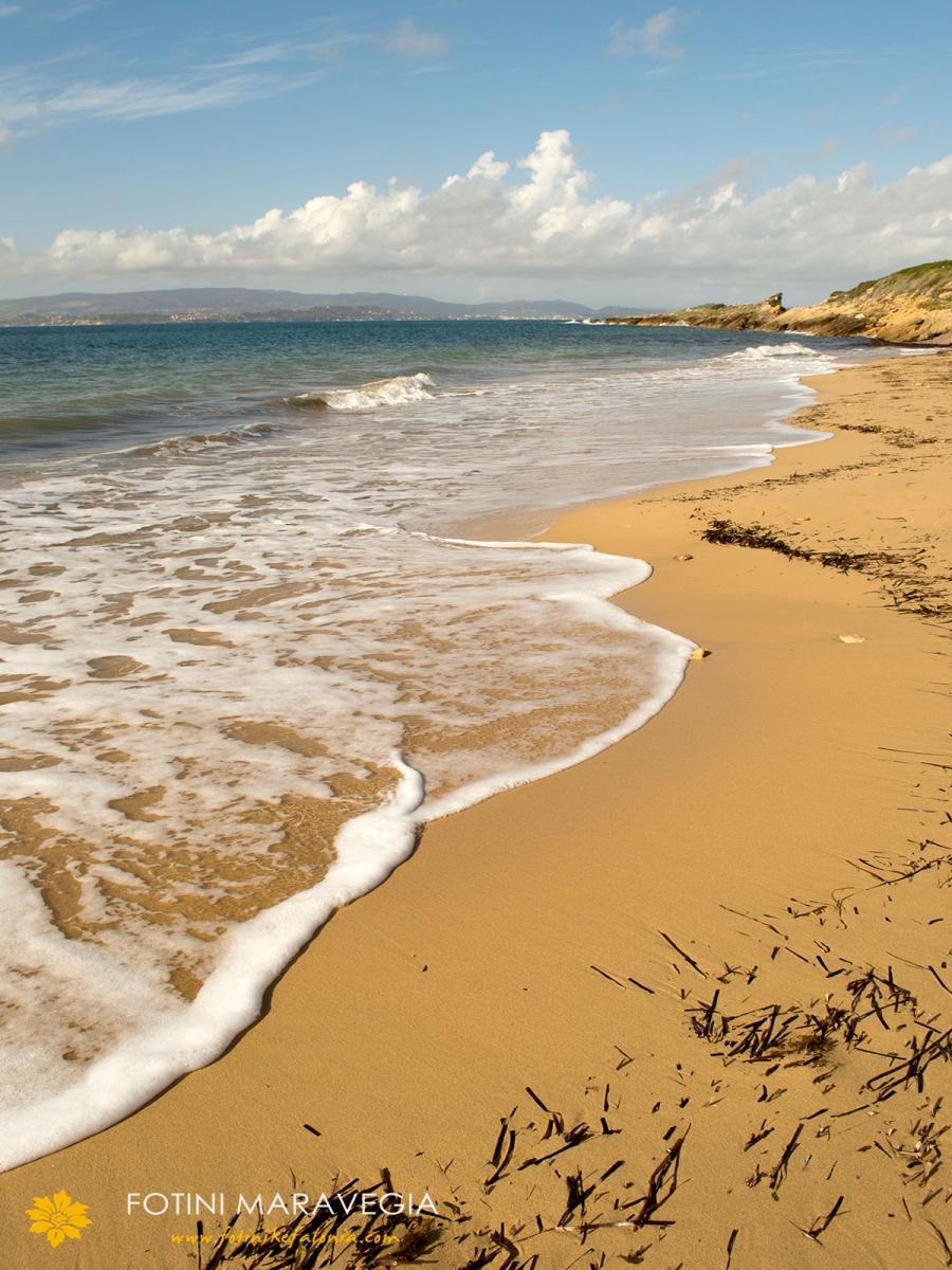 Η παραλία Μεγάλη Άμμος στις Μηνιές